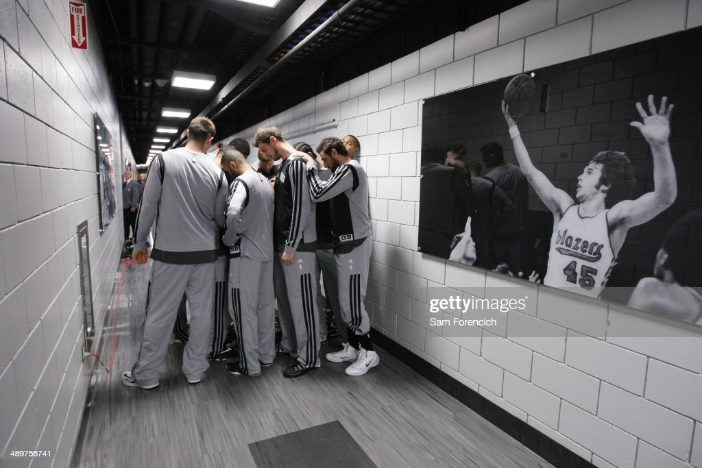 The San Antonio Spurs huddle up before Game Three of the Western Conference Semifinals against the Portland Trail Blazers during the 2014 NBA Playoffs on May 10, 2014 at the Moda Center in Portland, Oregon.