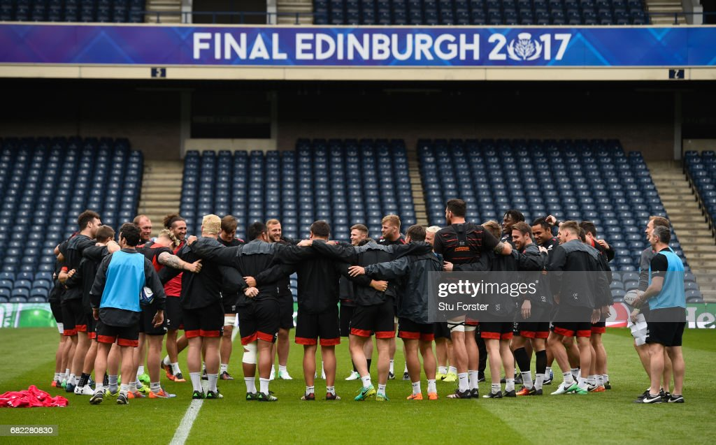 The Saracens team huddle during the captains run before the 2017 European Rugby Champions Cup Final at Murrayfield Stadium on May 12, 2017 in Edinburgh, Scotland.