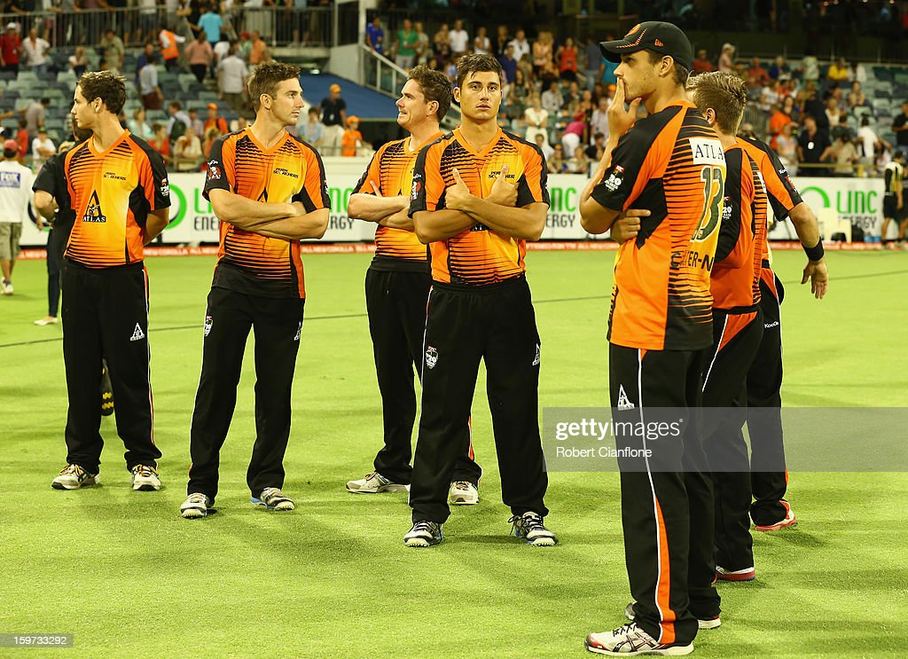 The Scorchers look dejected after they weredefeated by the Heat in the Big Bash League final match between the Perth Scorchers and the Brisbane Heat at the WACA on January 19, 2013 in Perth, Australia.