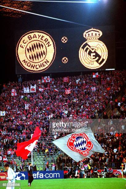 The scoreboard displays the badges of both clubs