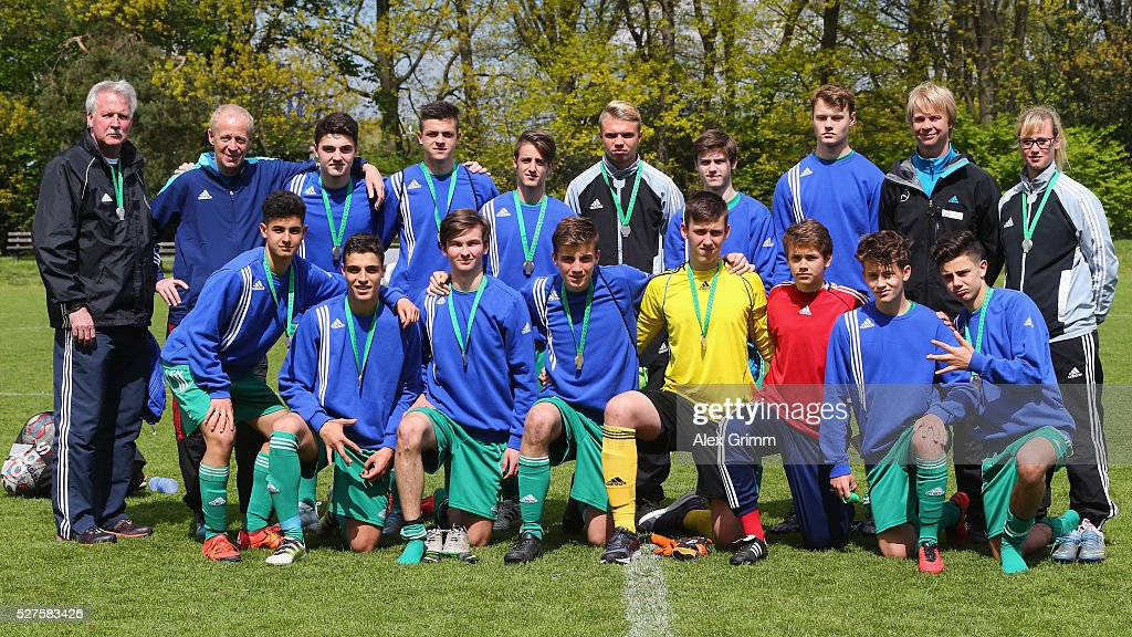 The second placed team of Niederrhein poses after the U16 Juniors Federal Cup at Sportschule Wedau on May 03, 2016 in Duisburg, North Rhine-Westphalia.
