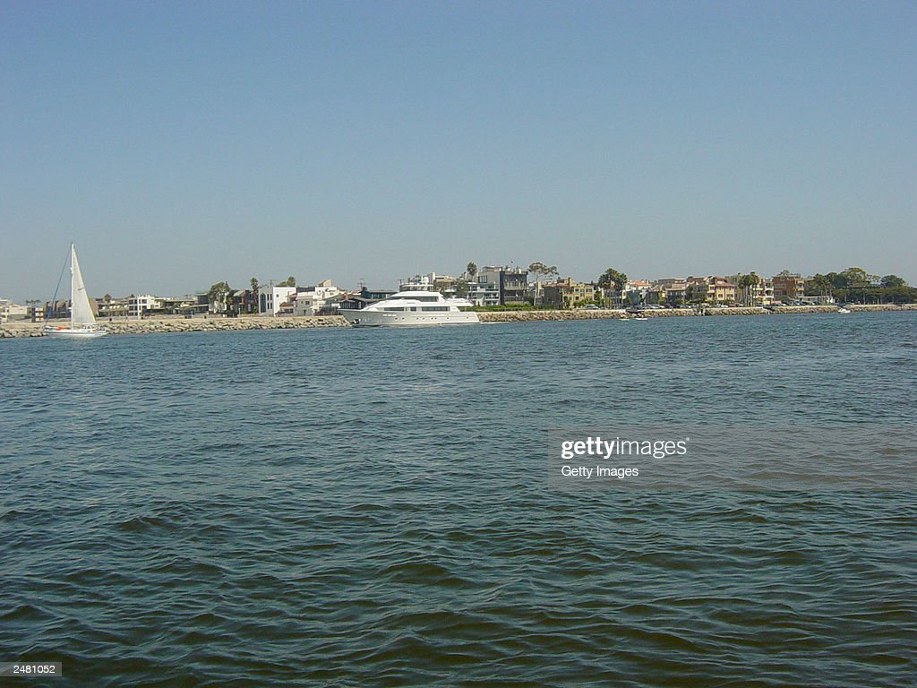 The Serengeti (C), the yacht of entertainer Johnny Carson, motors along the waters of Marina Del Rey August 29, 2003 in California.