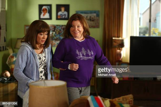 THE MIDDLE 'The Setup' Frankie is tasked with being at her mom Pat's beck and call when she has to stay for a few days at the Heck house after coming...