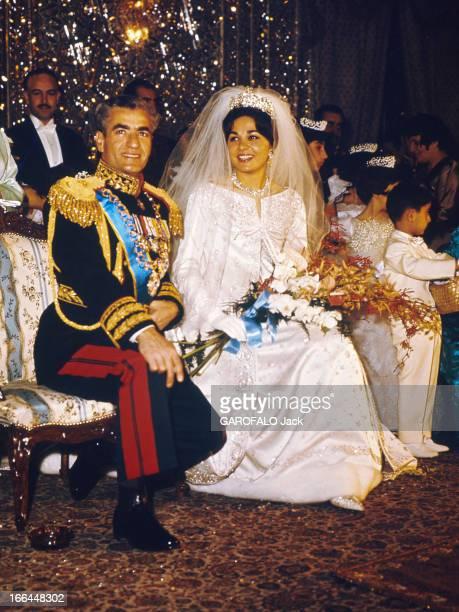The Shah Of Iran Marries Farah Diba Le fastueux mariage du Shah d'Iran avec Farah DIBA le 21 décembre 1959 Photo recadrée
