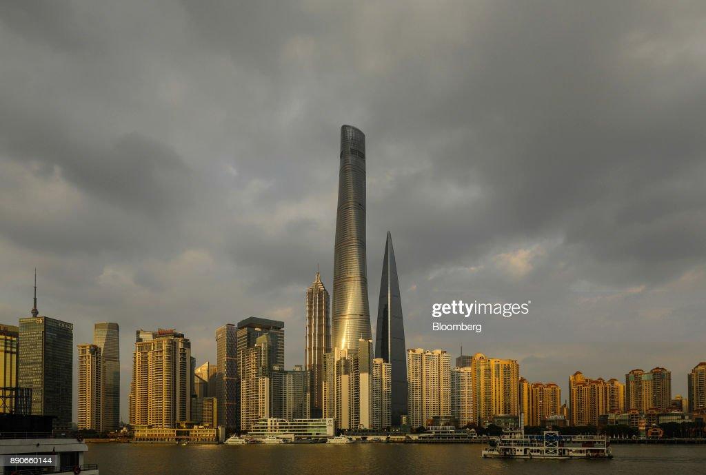 General Views of Shanghai Tower