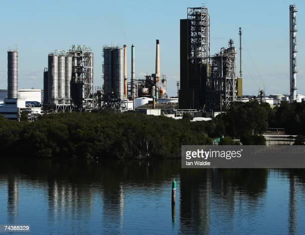 The Shell Oil refinery in Parramatta is seen June 2 2007 in Sydney Australia World Environment Day is marked on June 5 every year and is the United...
