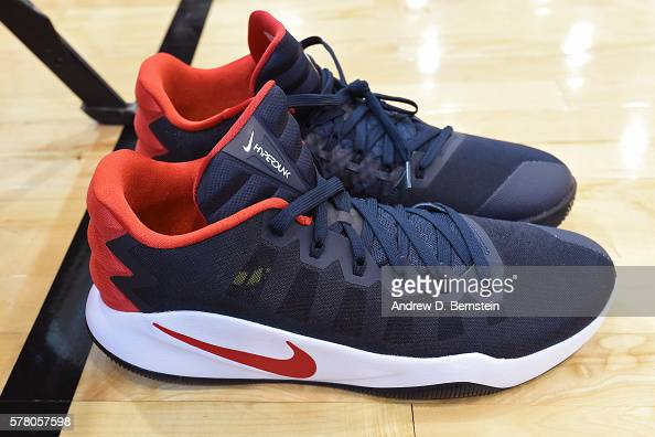 Mens Basketball Shoes Demar Derozan