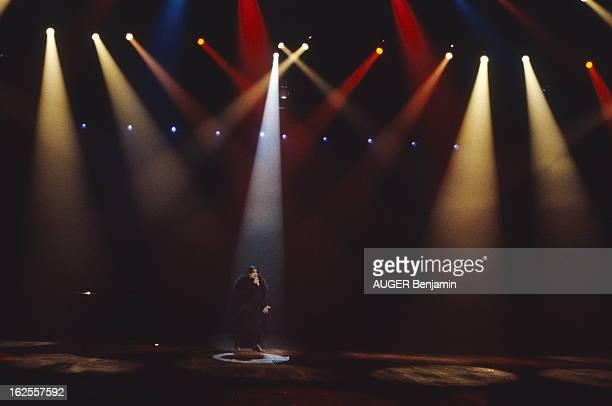 The Show 'Lily Passion' By Barbara La chanteuse BARBARA sur la scène du Zénith à Paris dans son spectacle musical 'Lily Passion'