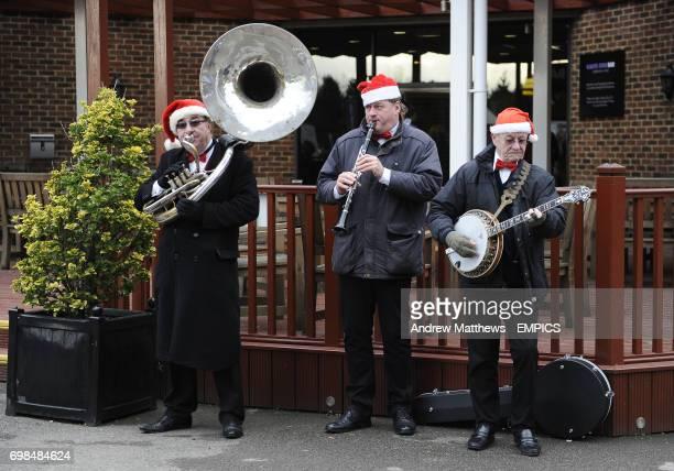 The Silk Street Band perform at Kempton Park Racecourse