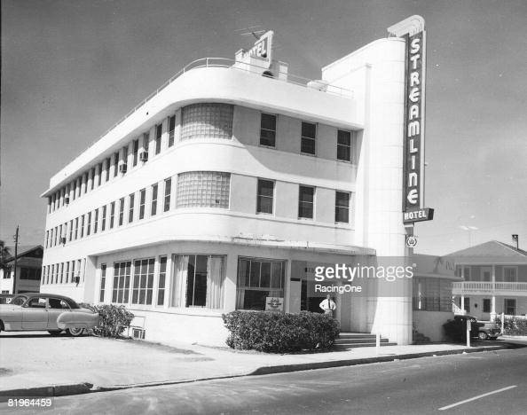 Vintage stock car racing stock photos and pictures getty for Site location hotel