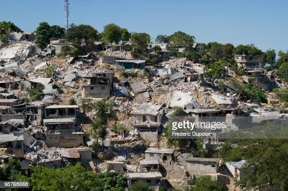 Haiti earthquake damage stock photos and pictures getty for Canape vert haiti