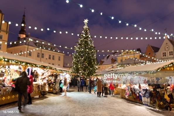 CONTENT] The small and enchanting cobbled streets of Tallinn are brought to life during the winter period with a light dusting of snow on rooftops...