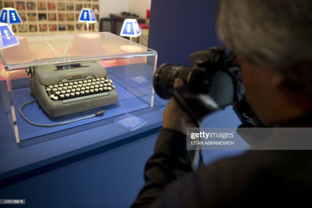 The Smith-Corona typewriter owned by late Colombian Nobel Prize for Literature laureate Gabriel Garcia Marquez is exhibited at the National Library of Colombia in Bogota, on April 17, 2015. One year after the death of Garcia Marquez, an exhibition shows off the writer's personal objects, including the typewriter on which he typed 'One Hundred Years of Solitude'. AFP PHOTO/Eitan Abramovich /