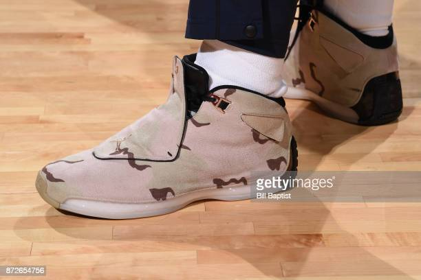 The sneakers of Jeff Green of the Cleveland Cavaliers are seen during the game against the Houston Rockets on NOVEMBER 9 2017 at the Toyota Center in...