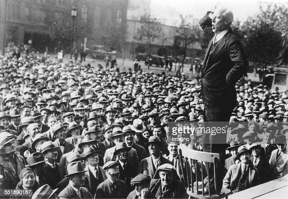 The Socialist presidential candidate Norman Thomas in a speech in Philadelphia / Reyburn Plaza 4th November 1932 Photograph