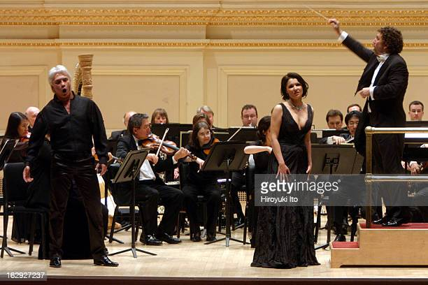 The soprano Anna Netrebko and the baritone Dmitri Hvorostovsky performing at Carnegie Hall on Wednesday night May 30 2007Asher Fisch conducted the...