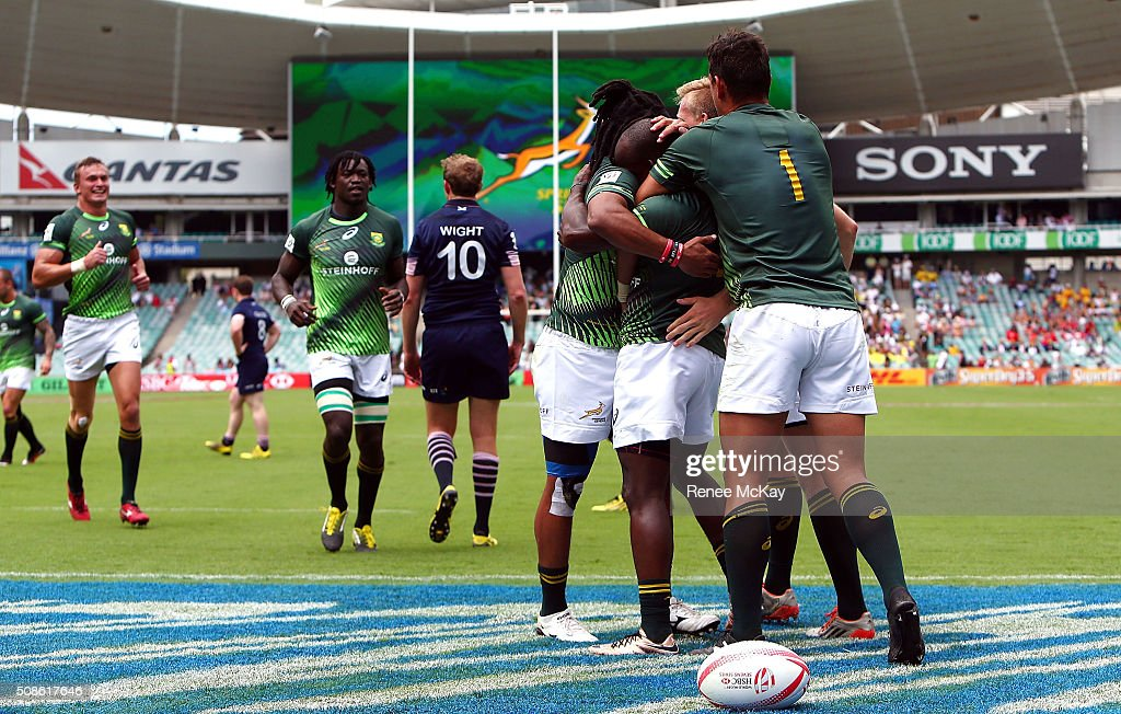 The South African team celebrate a try by Sandile Ngcobo during the day 1 match between South Africa and Scotland at the HSBC Sydney Sevens at Allianz Stadium on February 06, 2016 in Sydney, Australia.