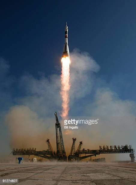 The Soyuz TMA16 launches from the Baikonur Cosmodrome September 30 2009 in Baikonur Kazakhstan The mission is carrying Expedition 21 Flight Engineer...