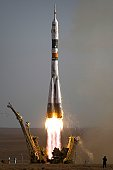 The Soyuz TMA-9 spacecraft launches from the Baikonur Cosmodrome in Kazakhstan September 18, 2006 carrying a new crew to the International Space Station.