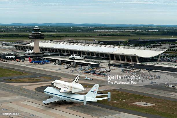 space shuttle discovery at dulles airport - photo #8