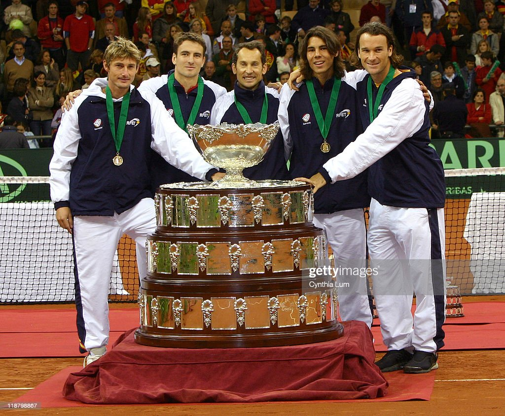 2004 Davis Cup Final - USA vs Spain - Trophy Presentation
