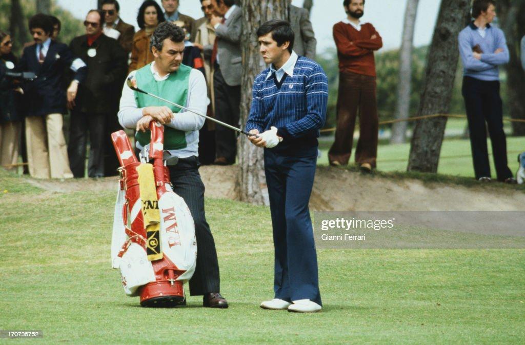 The Spanish golfer Severiano Ballesteros (right) during a tournament, 1978, Madrid, Castilla La Mancha, Spain. (Photo by Gianni Ferrari/Cover/Getty Images).