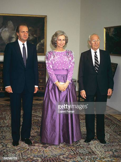 The Spanish Kings Juan Carlos and Sofia with the President of Czechoslovakia Gustav Husak before an official dinner 8th July 1987 Prague...