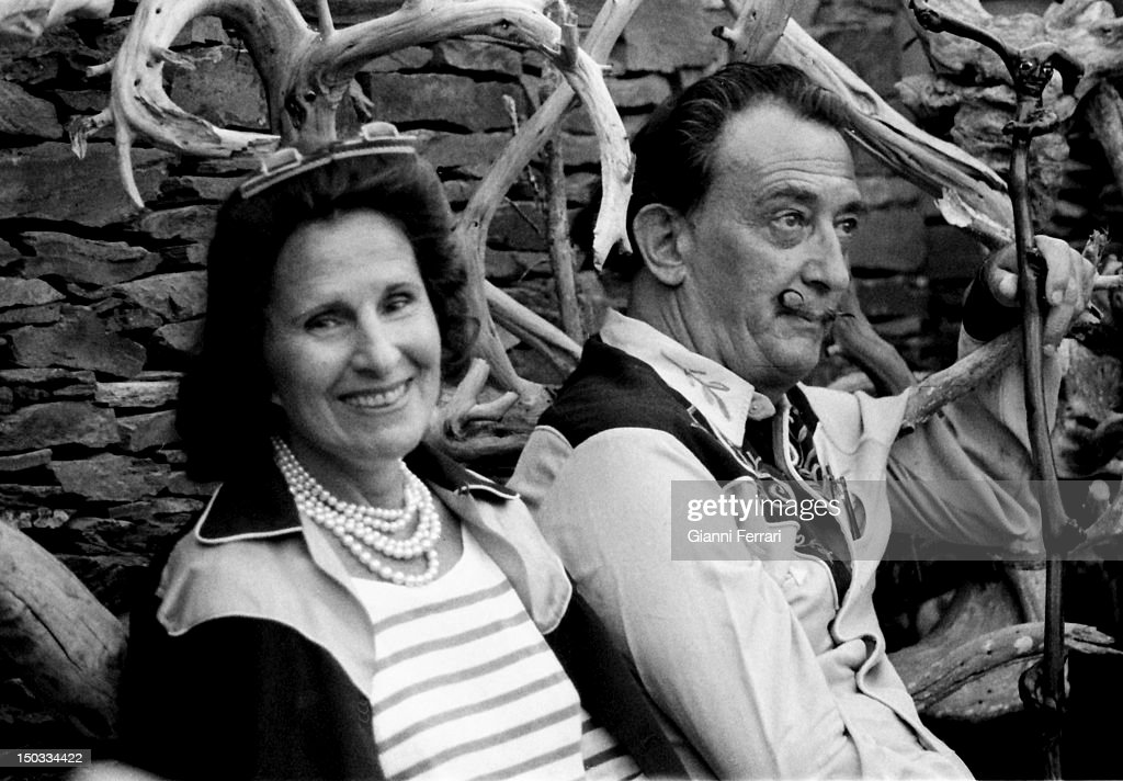The Spanish painter <a gi-track='captionPersonalityLinkClicked' href=/galleries/search?phrase=Salvador+Dali&family=editorial&specificpeople=94477 ng-click='$event.stopPropagation()'>Salvador Dali</a> with his wife Gala, 1962, Cadaques, Spain.