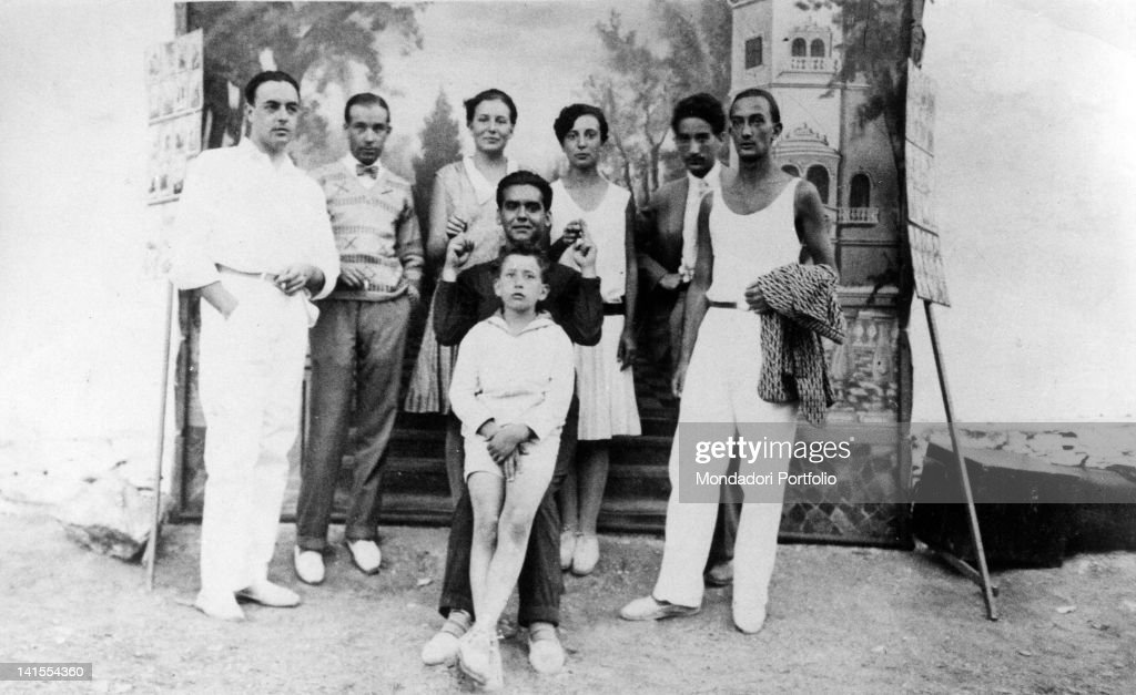 The Spanish poet and playwright Federico Garcfa Lorca in a group photo with the Spanish painter <a gi-track='captionPersonalityLinkClicked' href=/galleries/search?phrase=Salvador+Dali&family=editorial&specificpeople=94477 ng-click='$event.stopPropagation()'>Salvador Dali</a>. Spain, 1920s