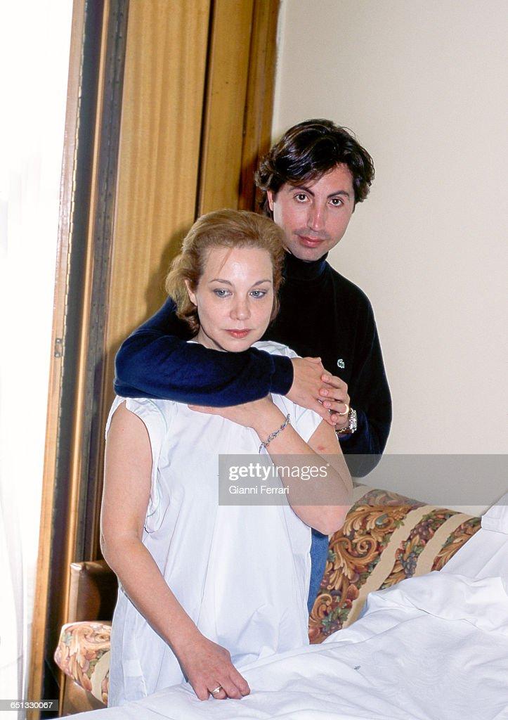 Te van a desplumar, cual es el más nocivo The-spanish-singer-karina-with-her-boyfriend-domingo-torroba-in-15th-picture-id651330067
