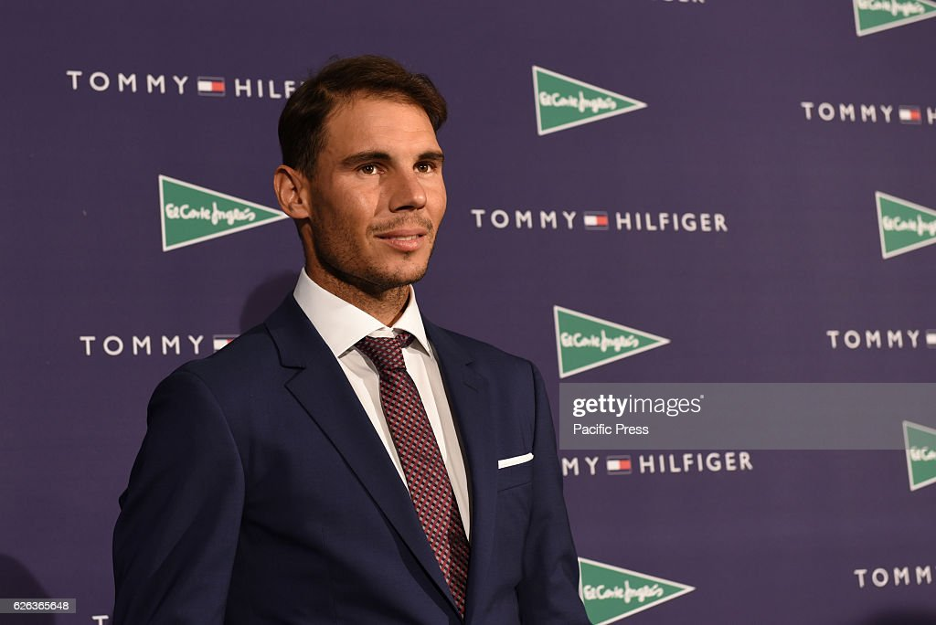 The Spanish tennis Rafael Nadal, 30 years-old, poses for... : Photo d'actualité