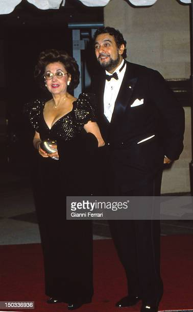 The Spanish tenor Placido Domingo with his wife Madrid Spain