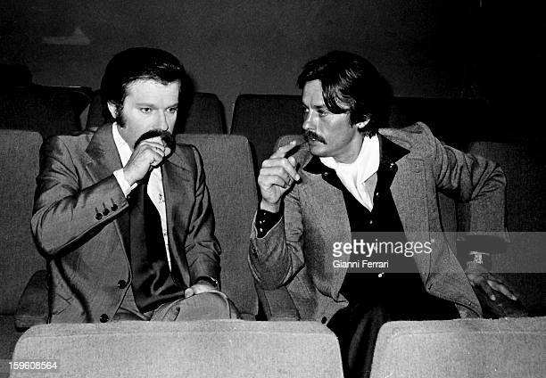 The Spanish TV presenter Jose Maria Inigo during an interview with the French actor Alain Delon in the TVE program 'Directisimo' Madrid Castilla La...