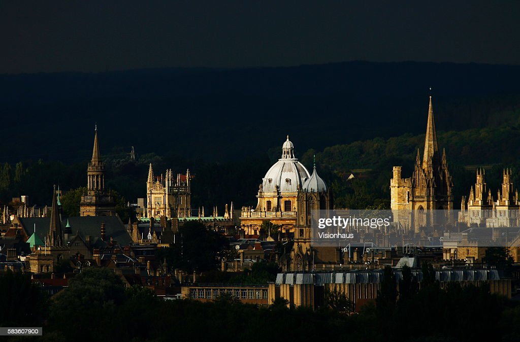 The spires of Oxford City bathed in autumn sunshine photographed from Boars Hill Affectionately named 'the city of dreaming spires' by nineteenth...