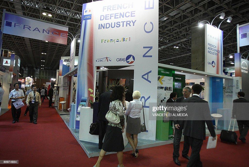 السلاح الفرنسي والمنطقة العربية The-stand-of-french-defence-industry-at-the-latin-america-aerospace-picture-id85974934