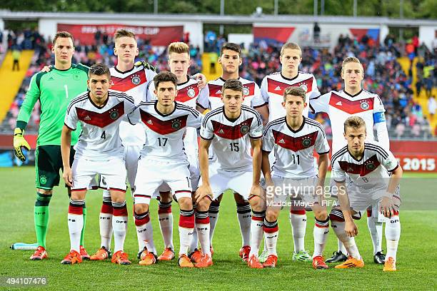 The starting line up for Germany stands for a photo before the FIFA U17 World Cup Chile 2015 Group C match between Germany and Mexico at Estadio...