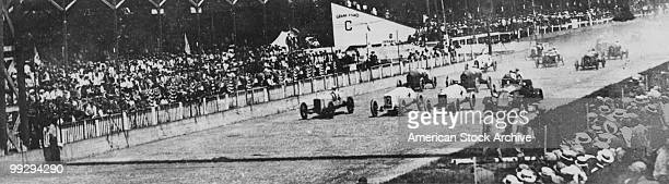 The starting lineup at the Indianapolis 500 motor race at Indianapolis Motor Speedway in Speedway Indiana 1912 Front row left to right Eddie Hearne...