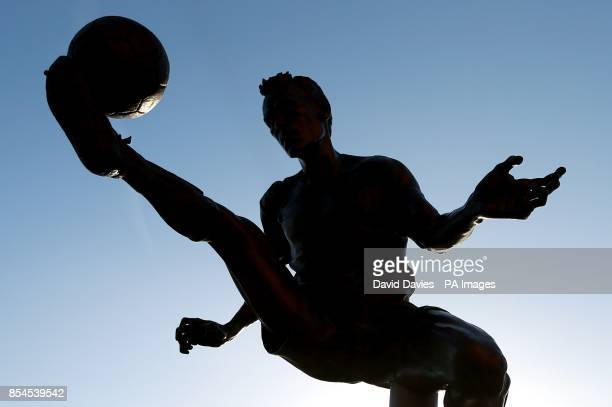 The statue of Dennis Bergkamp outside the Emirates
