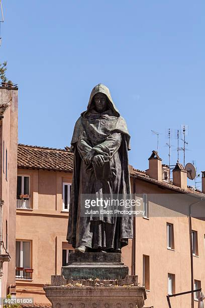 The statue of Giordano Bruno in Campo de' Fiori.