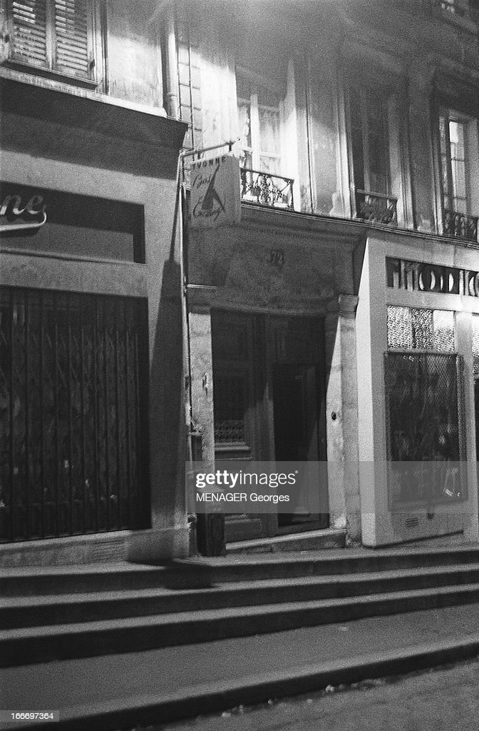 The Steps Of 72 Belleville Street Where Edith Piaf Shoot Her First Cry. L'entrée du 72, rue de Belleville, la maison natale d'Edith PIAF.