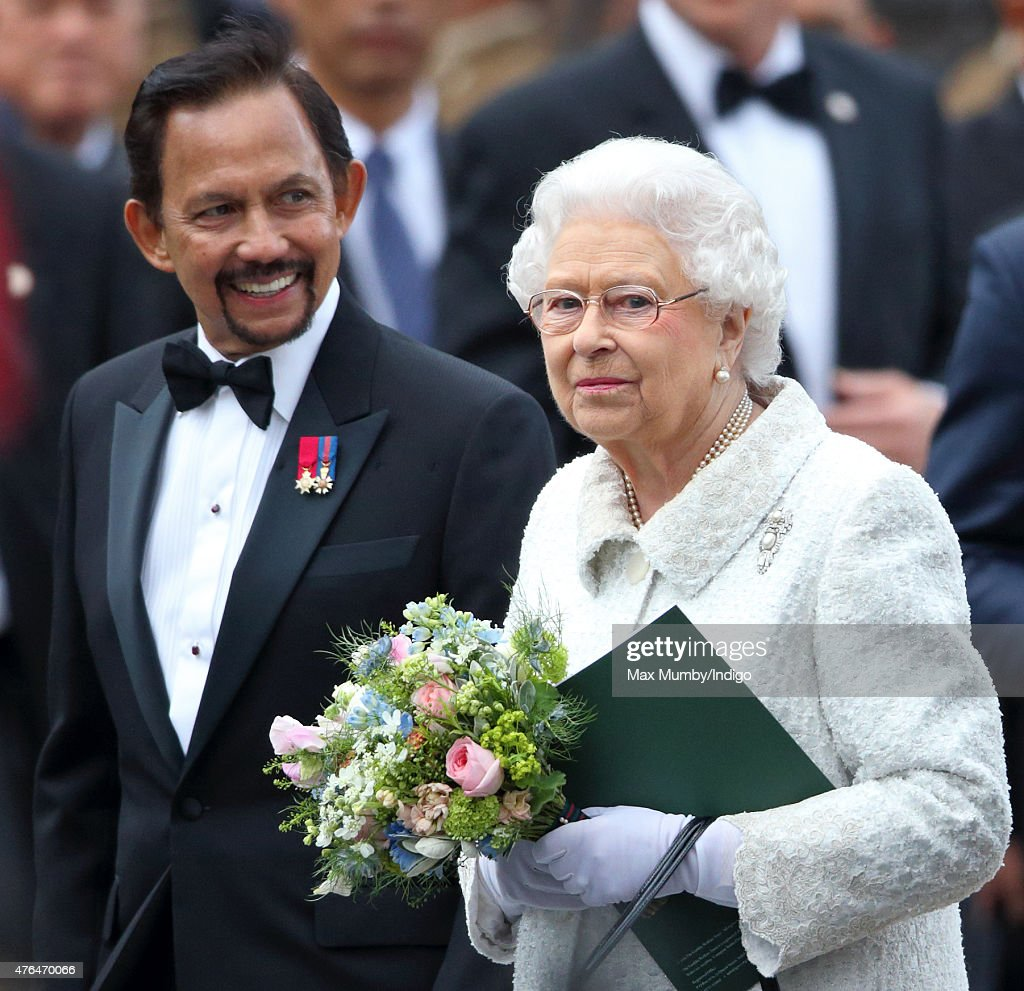 The Sultan of Brunei, Hassanal Bolkiah and Queen <a gi-track='captionPersonalityLinkClicked' href=/galleries/search?phrase=Elizabeth+II&family=editorial&specificpeople=67226 ng-click='$event.stopPropagation()'>Elizabeth II</a> attend the Gurkha 200 Pageant at the Royal Hospital Chelsea on June 9, 2015 in London, England.