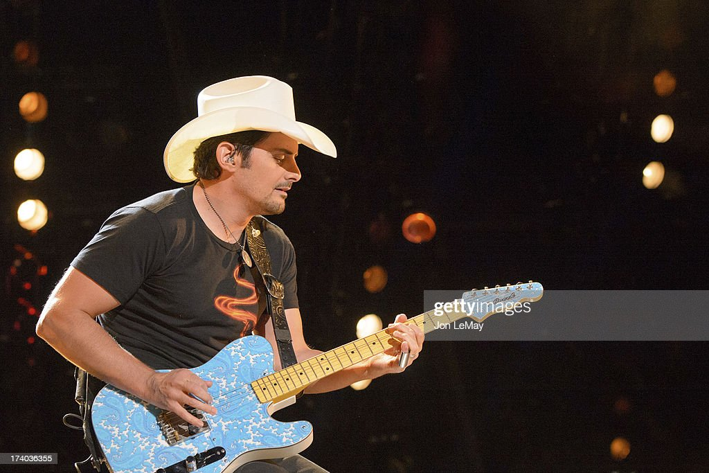 S NIGHT TO ROCK - The summer's hottest television music event, 'CMA Music Festival: Country's Night to Rock,' airs on MONDAY, AUGUST 12 (8:00-11:00 p.m., ET) on the ABC Television Network. BRAD