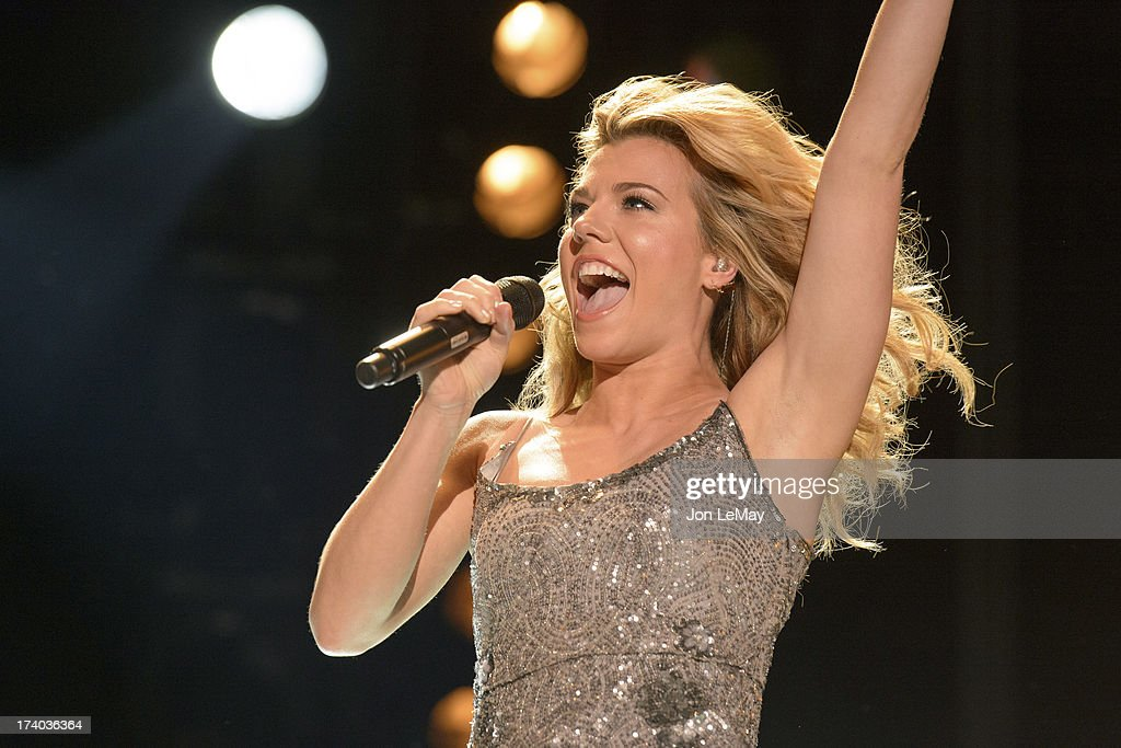 S NIGHT TO ROCK - The summer's hottest television music event, 'CMA Music Festival: Country's Night to Rock,' airs on MONDAY, AUGUST 12 (8:00-11:00 p.m., ET) on the ABC Television Network. KIMBERLY