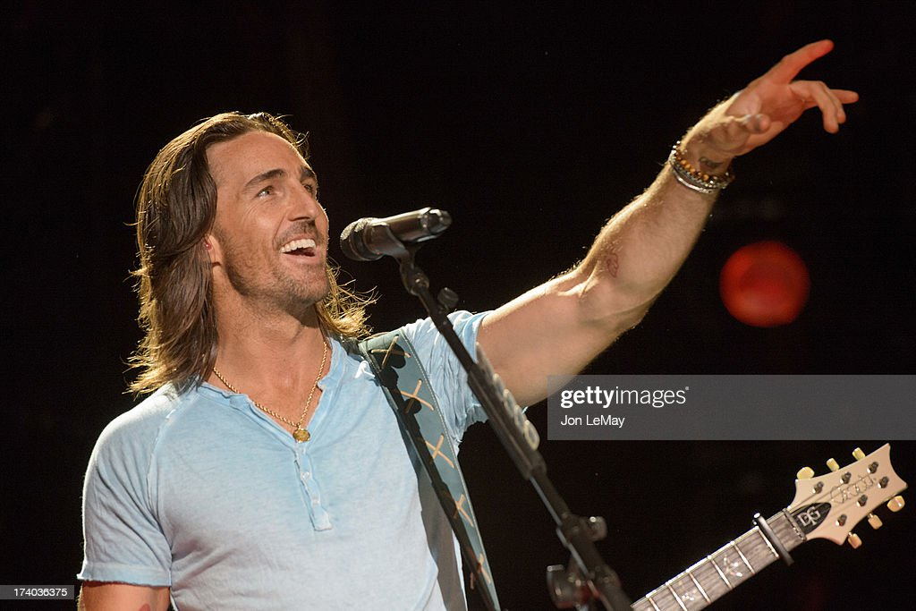 S NIGHT TO ROCK - The summer's hottest television music event, 'CMA Music Festival: Country's Night to Rock,' airs on MONDAY, AUGUST 12 (8:00-11:00 p.m., ET) on the ABC Television Network. JAKE