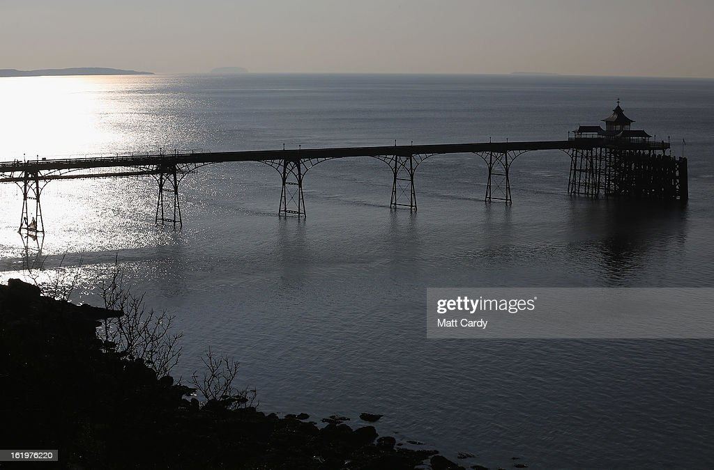 The sun reflects of water in the Severn Estuary at Clevedon on February 18, 2013 near Bristol, England. Bristol elected mayor, George Ferguson, has recently claimed that the proposed 30bn GDP Severn barrage could have a detrimental impact on the regional economy if it goes ahead, but supporters of the project claim it could provide 5 percent of the UK's electricity and create thousands of jobs.