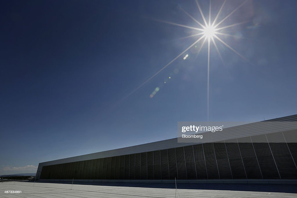 The sun shines on the roof of the Facebook Inc. Prineville Data Center in Prineville, Oregon, U.S., on Monday, April 28, 2014. The Facebook Prineville Data Center features leading energy-efficient technology, including features such as rainwater reclamation, a solar energy installation for providing electricity to the office areas and reuse of heat created by the servers to heat office space. Photographer: Meg Roussos/Bloomberg via Getty Images