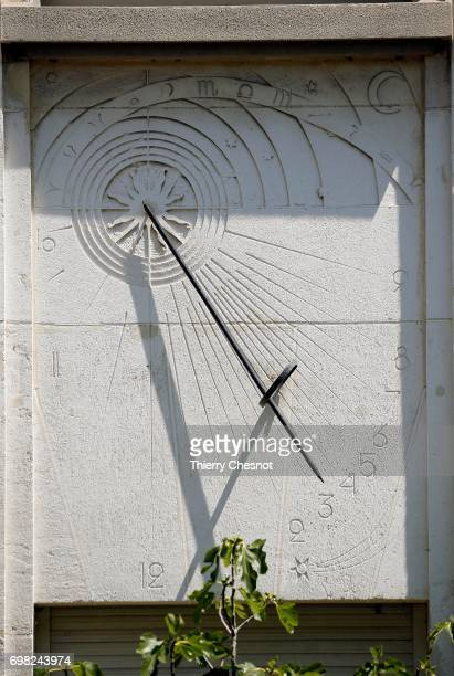 The sundial of the 'rue Michel Le Comte' is seen on June 13 2017 in Paris France This sundial inside the courtyard is probably the oldest dial of...