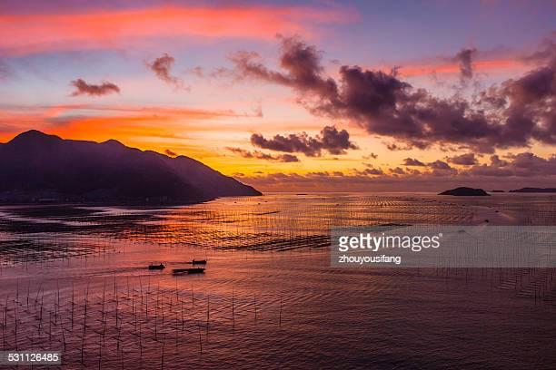 The sunrise of shallow seas