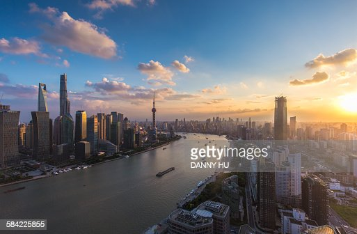 The sunset of the bund