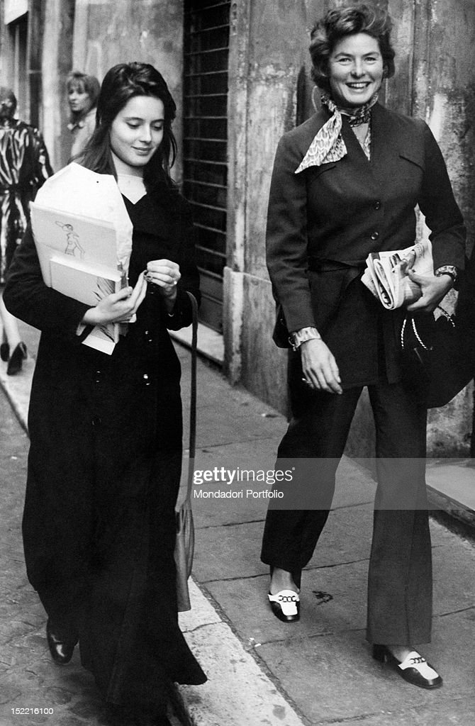 The Swedish actress <a gi-track='captionPersonalityLinkClicked' href=/galleries/search?phrase=Ingrid+Bergman&family=editorial&specificpeople=70003 ng-click='$event.stopPropagation()'>Ingrid Bergman</a> taking a stroll with her daughter <a gi-track='captionPersonalityLinkClicked' href=/galleries/search?phrase=Isabella+Rossellini&family=editorial&specificpeople=209153 ng-click='$event.stopPropagation()'>Isabella Rossellini</a>. Rome, 1971.